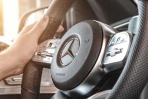 Bild von einem Lenkrad von Mercedes