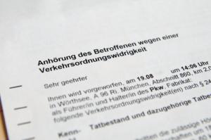 Bild von Anhörungsbogen wegen einer Verkehrsordnungswidrigkeit