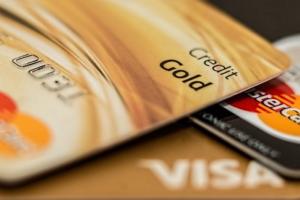 Bild von goldenen Kreditkarten