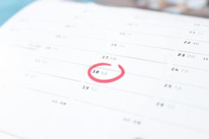 Bild von einem Kalender mit rot umkreisten Datum