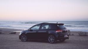 Bild von einem schwarzen VW