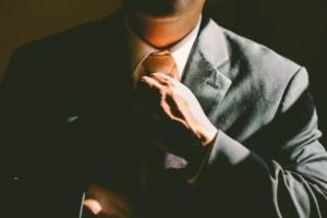 Bild von einem Mann mit Anzug