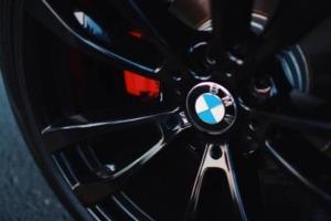 Bild von einem BMW Autoreifen