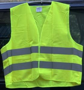 Bild einer gelben Warnweste mit reflektierenden Streifen