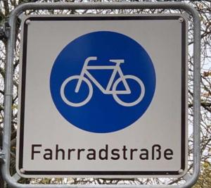 Verkehrsschild einer Fahrradstraße