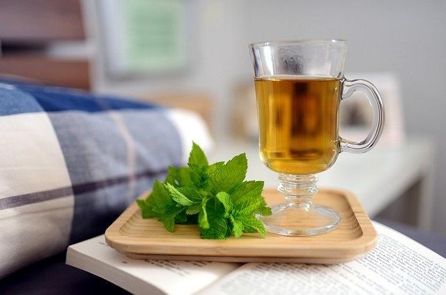 Bild von Tee am Bett
