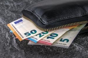 Bild von Geld und einer Geldbörse