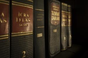 Bild von Gesetzestexten